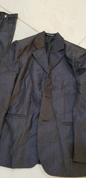 Used Kids formal suits 3piece in Dubai, UAE