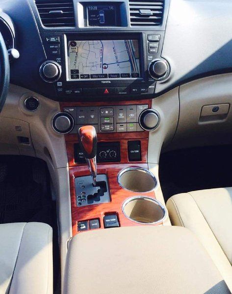 Used Toyota highlander 2008 Limited in Dubai, UAE