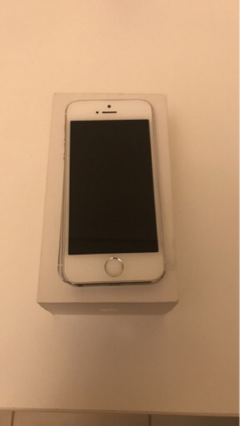 Used Iphone 5s 16gb with box and charger  in Dubai, UAE