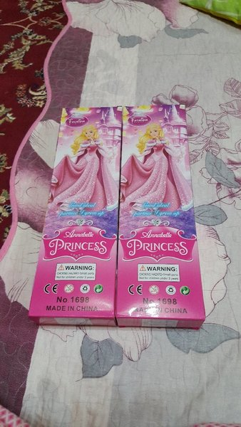 Used 2 pcs doll...brand new in Dubai, UAE