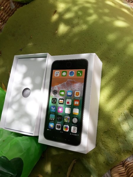 Used I phone x 32 gb in Dubai, UAE