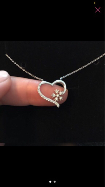 Used Silver heart shaped necklace  in Dubai, UAE