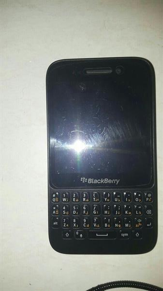 Used Hi I'm Selling 🎁 BLACKBERRY Q5 🎁 Smartphone Used. Only Mobile, Not Available Accessory & Box🎁   in Dubai, UAE