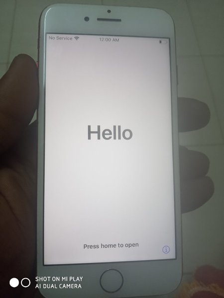 Used iPhone 7. 128gb iCloud locked in Dubai, UAE