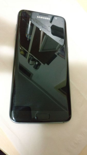 Used Samsung S7 Edge Black almost new PERFECT in Dubai, UAE