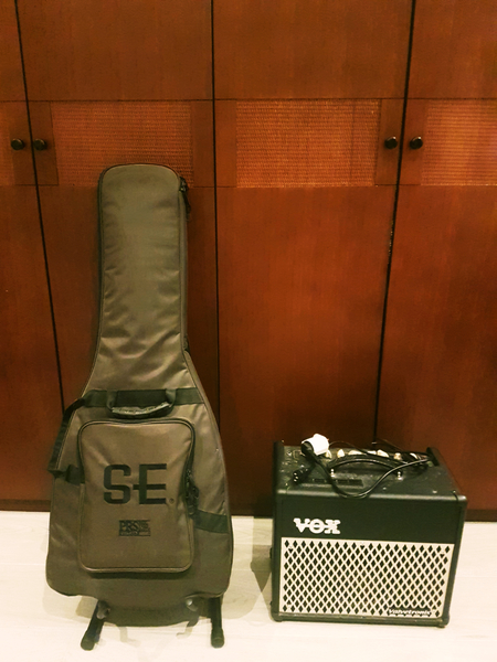Used Full Electric Guitar Set in Dubai, UAE