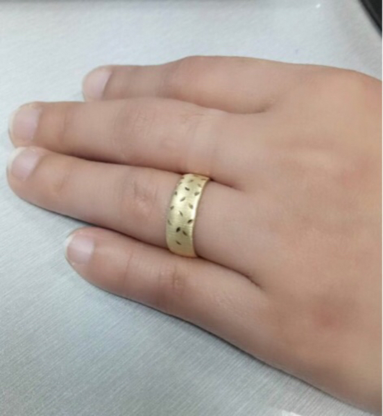 Used ring with size 6 1.28 grams in Dubai, UAE