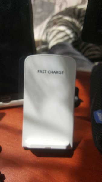 Used Fast wifi charge stand white in Dubai, UAE
