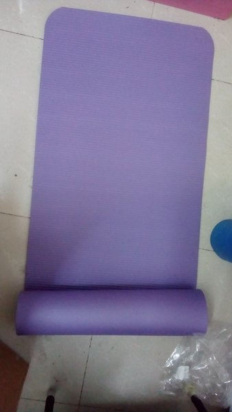 Used Thick yoga matt in Dubai, UAE