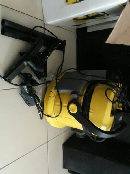 Used Karcher vacuum cleaner in Dubai, UAE