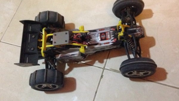 Used New Mud Buggy RC with 50 kmhr speed  in Dubai, UAE
