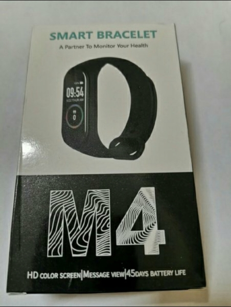 Used M4 smart band new* in Dubai, UAE
