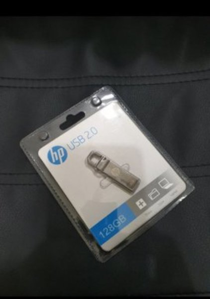 Used HP 128GB flash Drive in Dubai, UAE