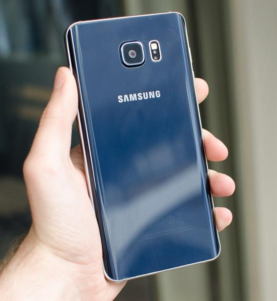 Used SAMSUNG GALAXY NOTE 5 64GB (WITH BOX AND ACCESSORIES) in Dubai, UAE