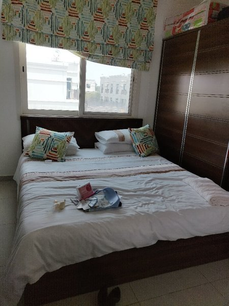 Used King sized bed with storage. in Dubai, UAE