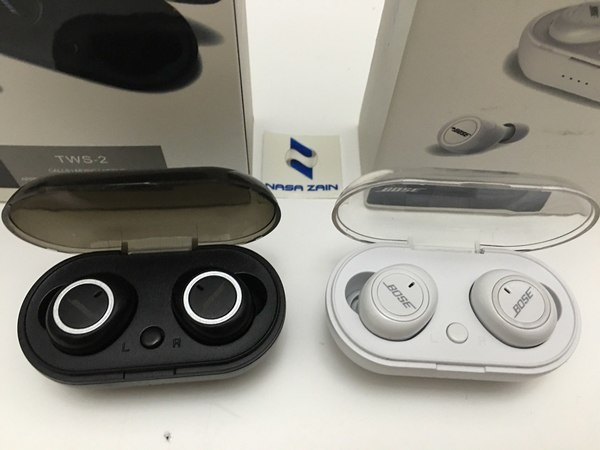 Used BOSE TWS-02 2pcs white & black offer in Dubai, UAE