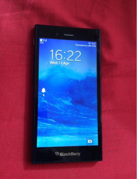 Used Blackberry Z3 complete accessories in Dubai, UAE