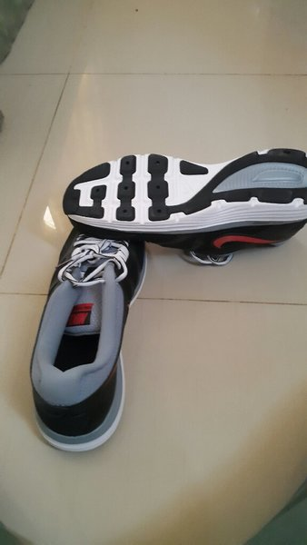 Used black and selver  nike shoes in Dubai, UAE