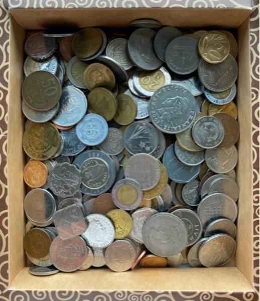 Used 1/4kg of non-european collectible coins in Dubai, UAE