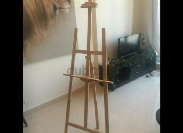 Used Art stand in Dubai, UAE