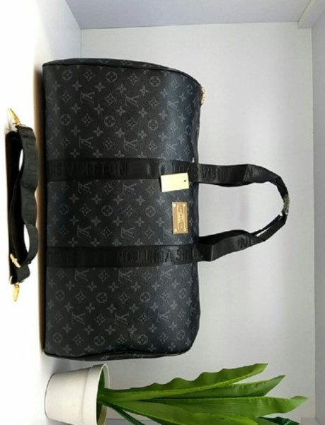 Used Travelling bag lv in Dubai, UAE