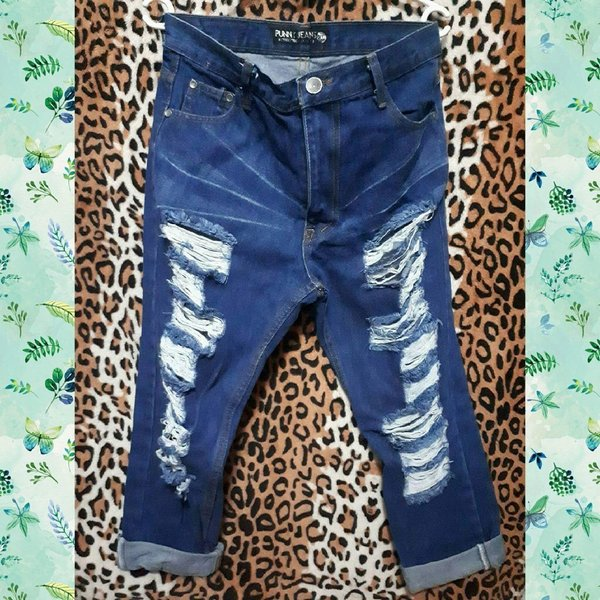 Used High Waist jeans size XL fits 28-30 in Dubai, UAE