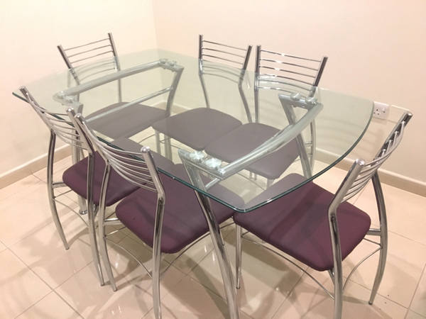 Used 6Seat Dining Table For Sale In Good Condition in Dubai, UAE
