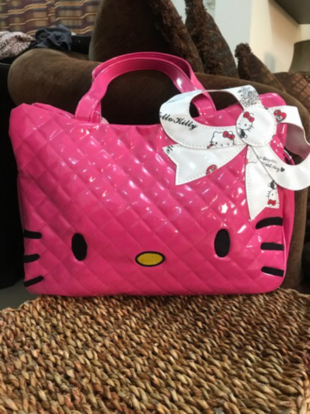 Used Hello kitty 🐱 hand bag -authentic  in Dubai, UAE
