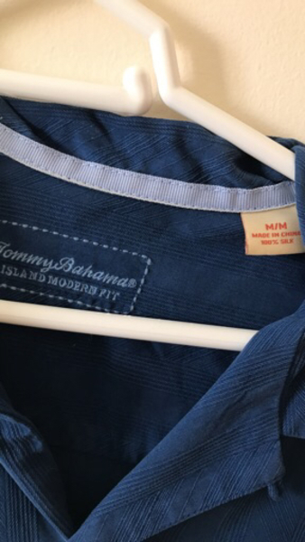 Used Tommy Bahama Silk Shirt. Medium. in Dubai, UAE