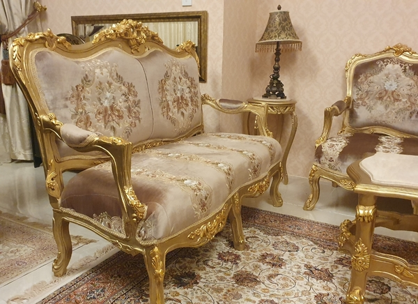 Used Luxury furniture whatsup only in Dubai, UAE
