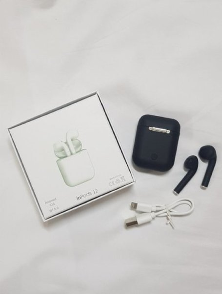 Used BLACK AIRPOD in Dubai, UAE