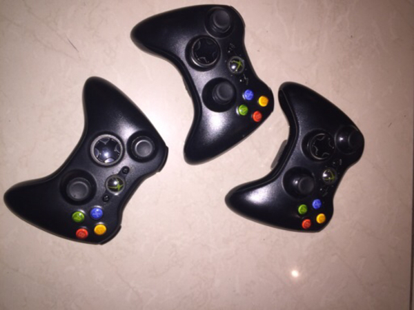 Used XBOX 360 Along with 11 games & more! in Dubai, UAE