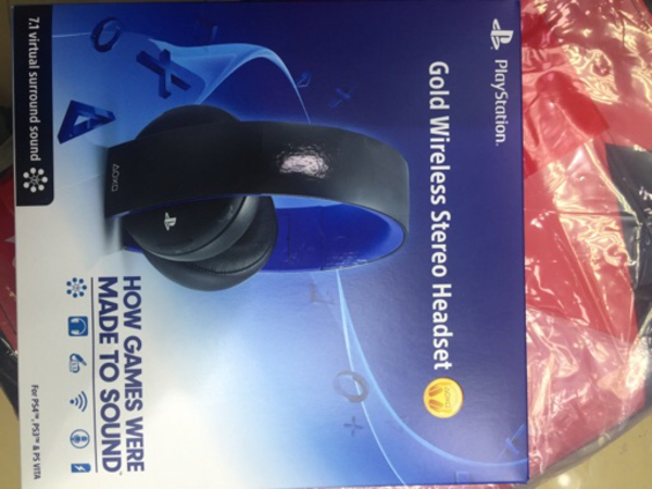 Used Gold wireless stereo headset in Dubai, UAE