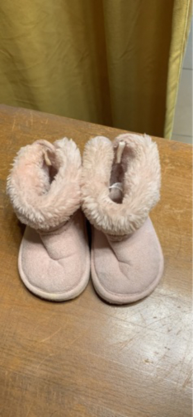 Used Baby girl size 20/21 in Dubai, UAE