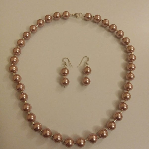 Used Pink pearl necklace set in Dubai, UAE
