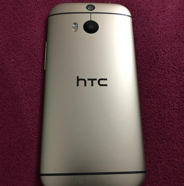 Used best offer.HTC M8. 32GB. GOLD   in Dubai, UAE