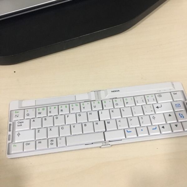 Used Nokia SU-8W Bluetooth keyboard  in Dubai, UAE