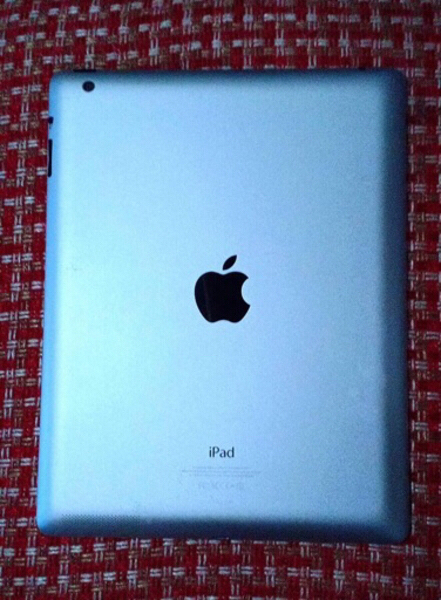 Used Ipad4 16gb wifi apple orginal in Dubai, UAE