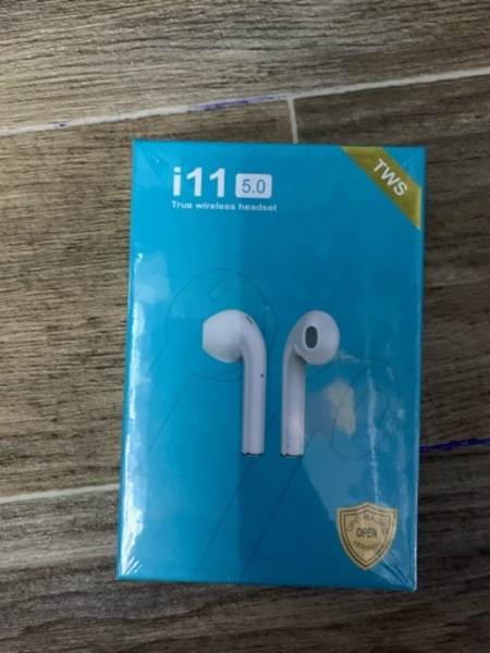 Used Aipods i11 - Wireless BT 5.0 FOR SALE in Dubai, UAE
