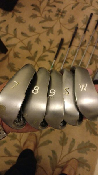 Used PING brand golf set with caddy shack in Dubai, UAE
