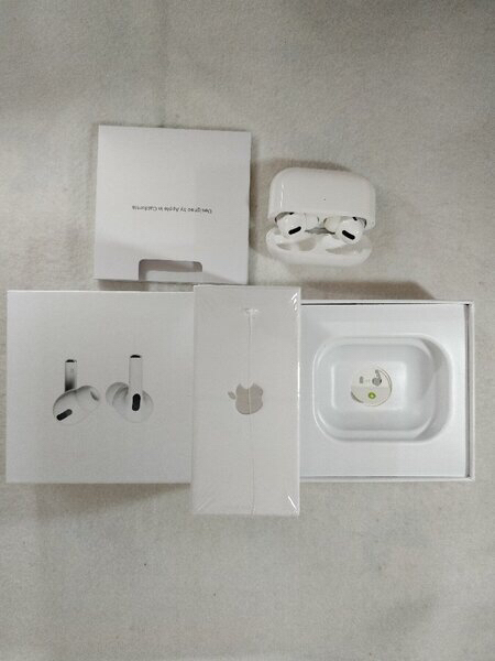 Used AIRPODS PRO NEW BOX WITH APPLE LOGO in Dubai, UAE