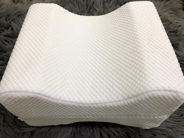 Used Knee pillow in Dubai, UAE