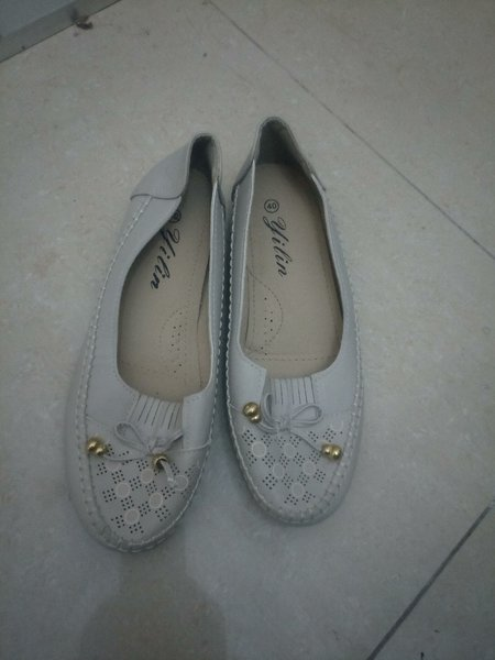 Used Ladies shoe in Dubai, UAE