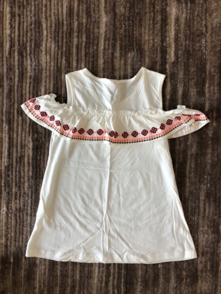 Used Top for a girl size 8 years old  new in Dubai, UAE