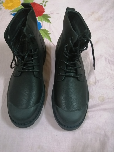 Used Boot for men and get socks free in Dubai, UAE