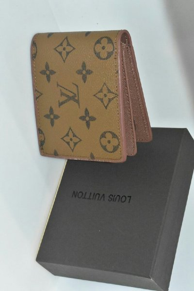 Used LOUIS VUITTON MEN WALLET in Dubai, UAE
