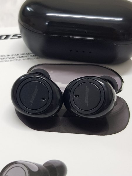 Used Bose Earbuds ^, in Dubai, UAE