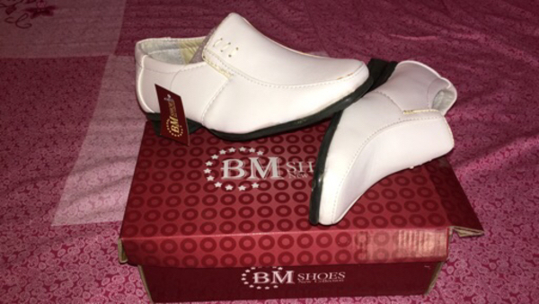 Used White shoes in Dubai, UAE