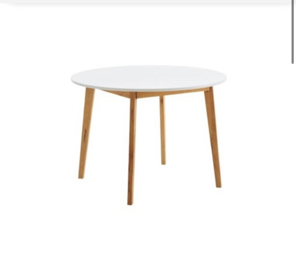 Used Table with 4 chairs in Dubai, UAE