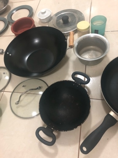 Used ASSORTED PANS & ITEMS in Dubai, UAE